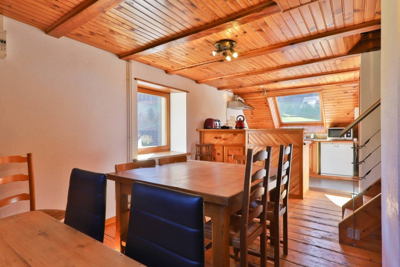 Location de vacances - Gîte à Sondernach - Pièce de séjour pour les repas en commun