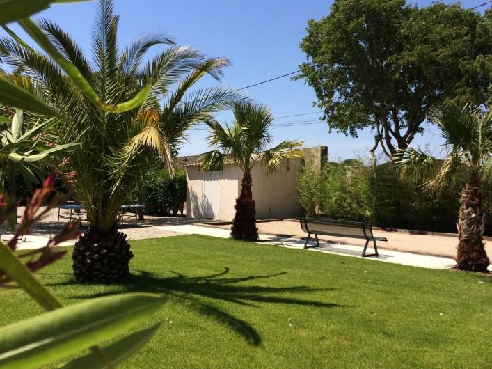 Location de vacances - Gîte à Vias - jardin et terrain de pétanque