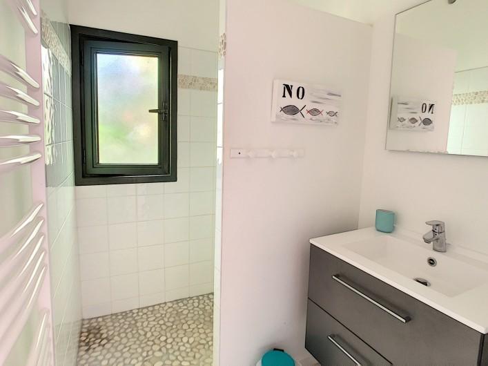 Location de vacances - Villa à Barbâtre - salle d'eau avec douche à l'italienne