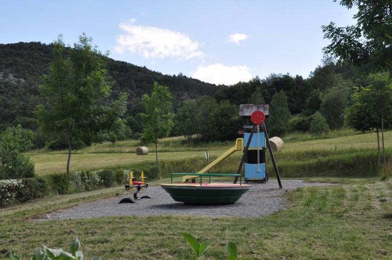 Location de vacances - Chalet à La Bréole - Aire de jeux enfants