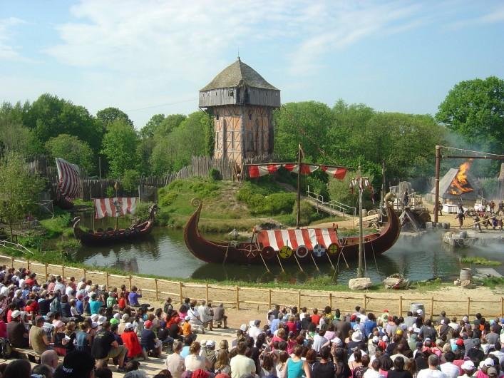 Location de vacances - Gîte à Bouillé-Courdault - Spectacle du Puy du fou