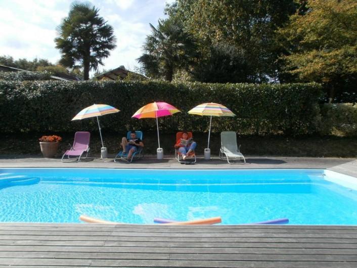 Location de vacances - Chambre d'hôtes à Monein - La piscine