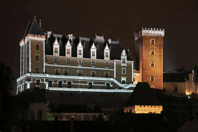 Location de vacances - Chambre d'hôtes à Monein - Le chateau de Pau Henri IV
