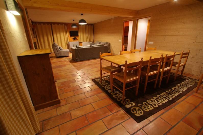Location de vacances - Appartement à Saint-Martin-de-Belleville - Salle à manger-séjour