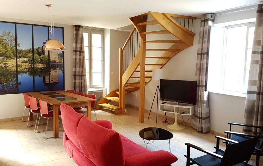 Location de vacances - Appartement à Villefranche-de-Rouergue - Séjour salon et salle à manger