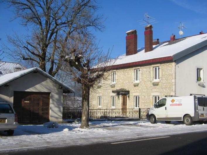 Location de vacances - Gîte à Malbuisson - maison en hiver