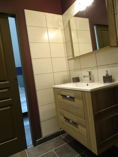 Location de vacances - Gîte à Bozouls - Salle de douche