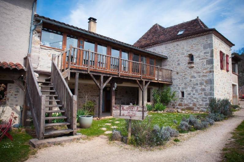 Location de vacances - Chambre d'hôtes à Tour-de-Faure - La maison d'hôtes La Combe de Redoles