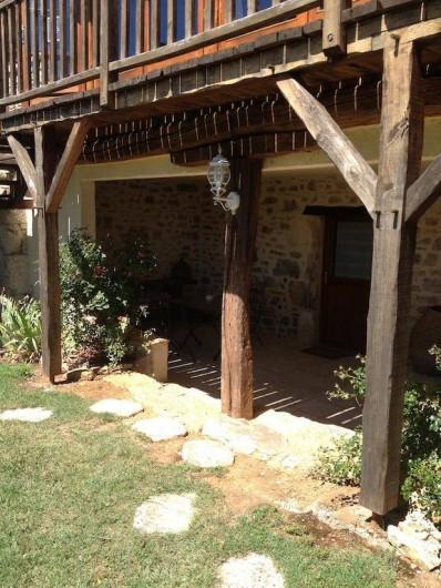 Location de vacances - Chambre d'hôtes à Tour-de-Faure - Terrasse privative chambre double