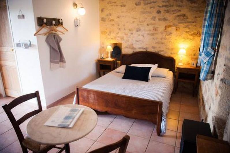 Location de vacances - Chambre d'hôtes à Tour-de-Faure - Chambre double