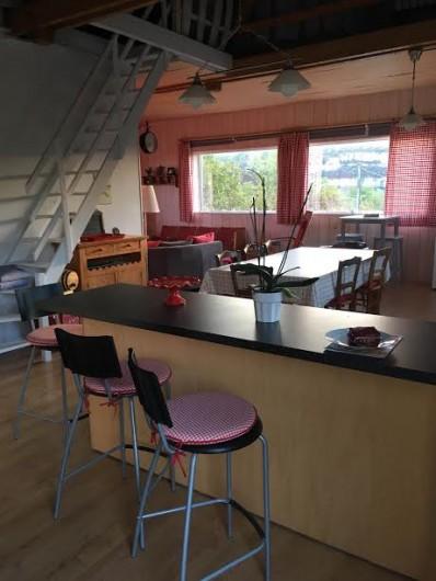 Location de vacances - Chambre d'hôtes à Tour-de-Faure - L'appartement (gîte)