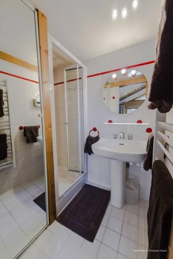 Location de vacances - Chalet à Val-d'Isère - Salle de bain chambre 3