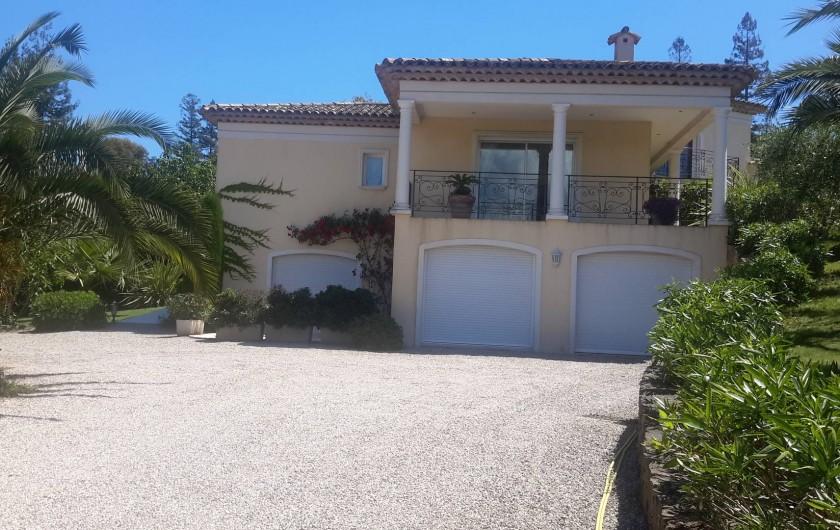 Location de vacances - Villa à Mougins - DERRIERE DE LA VILLA