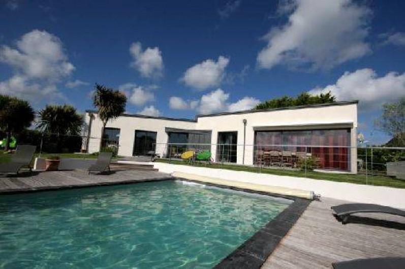 Villa Les Sables Blancs  Loctudy En Bretagne Avec Piscine Prive