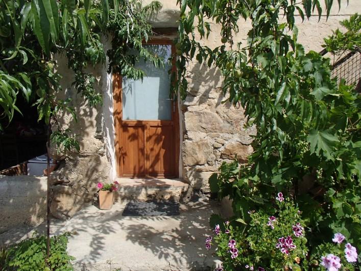 Location de vacances - Gîte à Chorges - chambre autonome (en supplément) entrée.