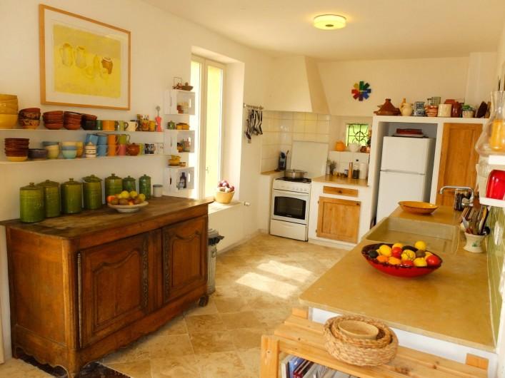 Location de vacances - Mas à Valréas - La cuisine principale