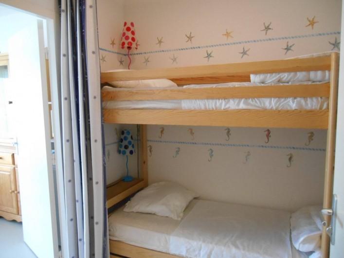 Location de vacances - Appartement à La Barre-de-Monts - Espace cabine avec lits superposés