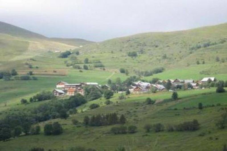 Location de vacances - Chalet à Saint-Jean-d'Arves - Le village de face