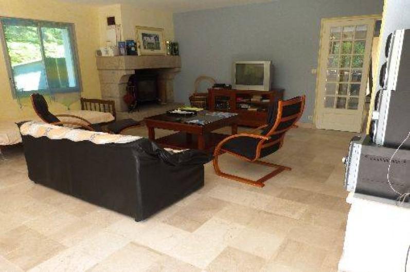 Location de vacances - Maison - Villa à Névez - salon avec cheminée