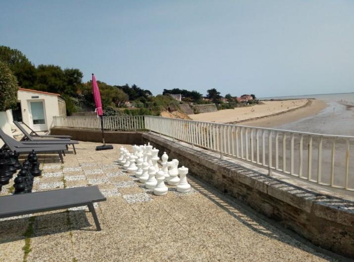 Location de vacances - Appartement à La Bernerie-en-Retz - Terrasse face mer aménagée de transats