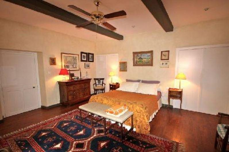 Location de vacances - Maison - Villa à Monfort - Lit de 160. Chambre parentale, en-suite