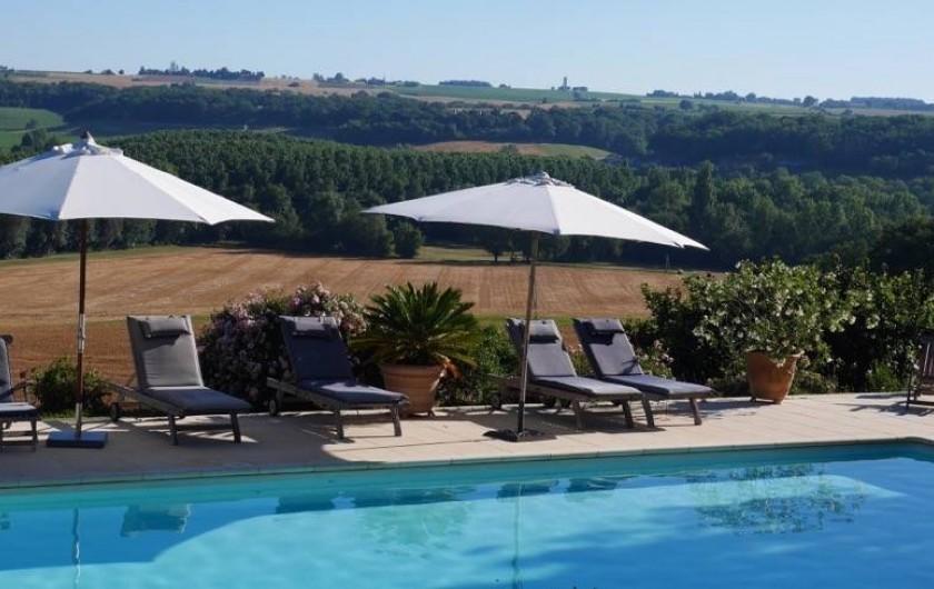 Location de vacances - Maison - Villa à Monfort - Vue derrière la piscine
