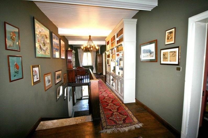 Location de vacances - Maison - Villa à Monfort - Le couloir desservant les chambres à l'étage