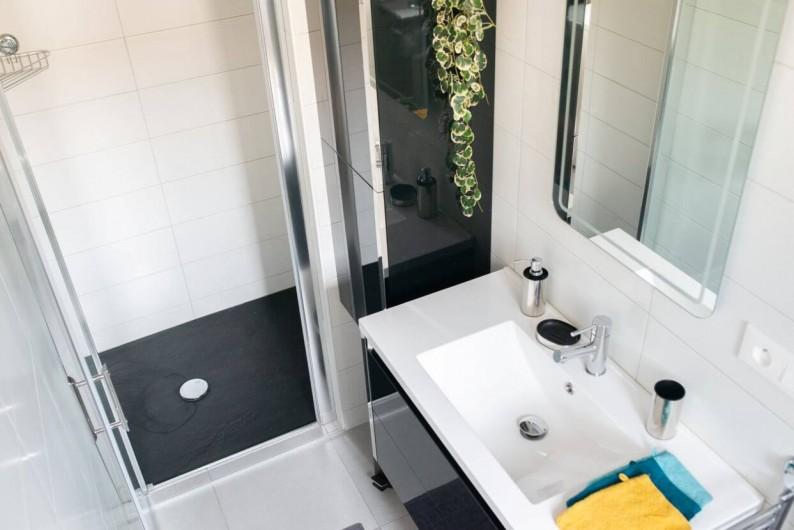 Location de vacances - Gîte à Muttersholtz - Salle de bain -douche