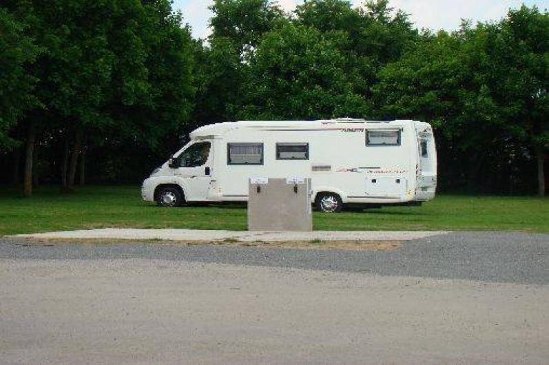 Location de vacances - Chalet à Villiers-Charlemagne - Borne de services camping-car