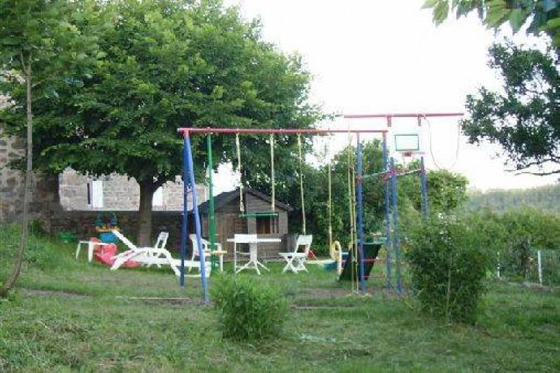 Location de vacances - Gîte à Rochepaule - coin balancoire