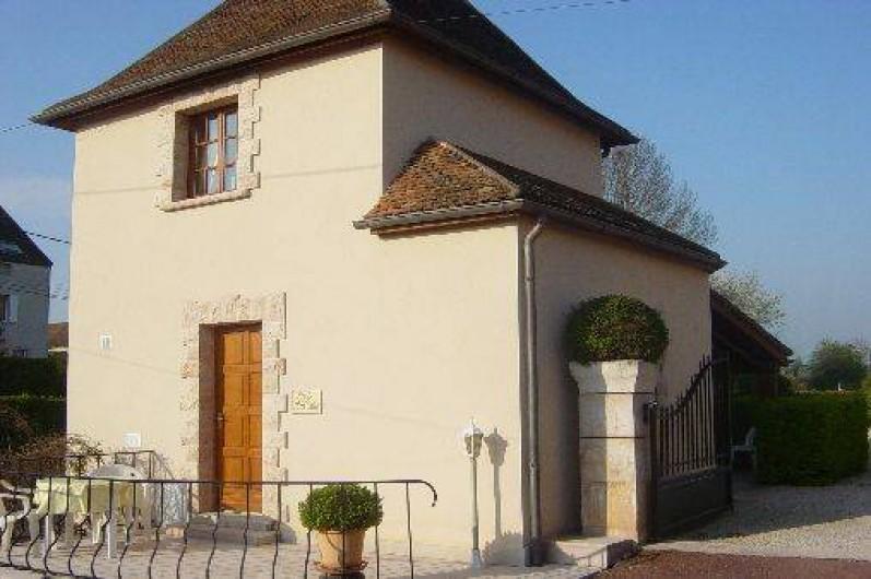 Location de vacances - Gîte à Ladoix-Serrigny - terrasse au soleil