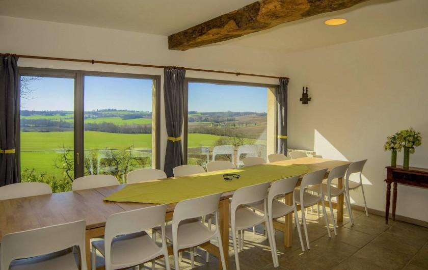 Location de vacances - Villa à Maubec - Salle à manger climatisée