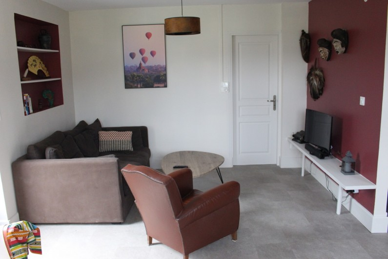 Location de vacances - Appartement à Granges-sur-Vologne - Salon télé  Porte donnant sur la chambre