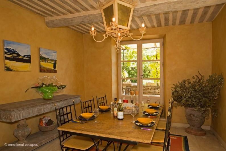 Location de vacances - Mas à Gordes - La salle à manger