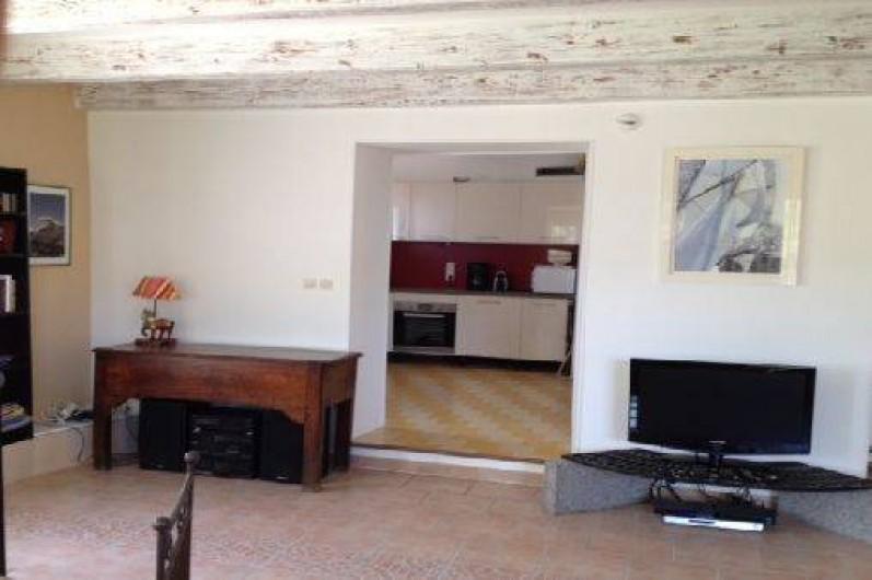 Location de vacances - Villa à Ensuès-la-Redonne - Entrée cuisine depuis salon