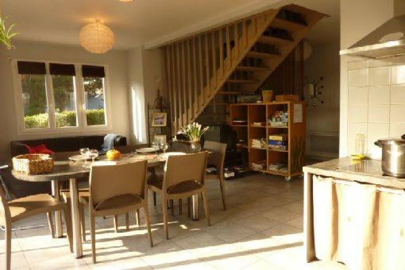 Location de vacances - Gîte à Hauteville-sur-Mer - Salle de séjour.