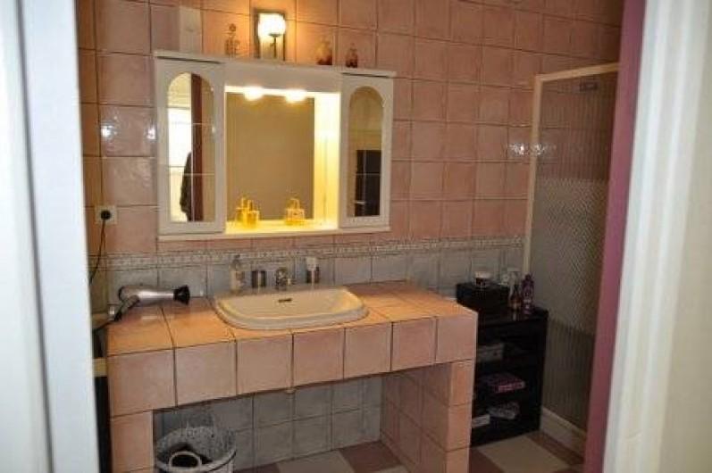 Location de vacances - Villa à Prunelli-di-Fiumorbo - salle d'eau 1