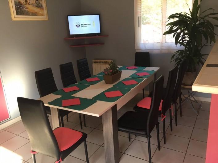 Location de vacances - Villa à Prunelli-di-Fiumorbo - salle a manger