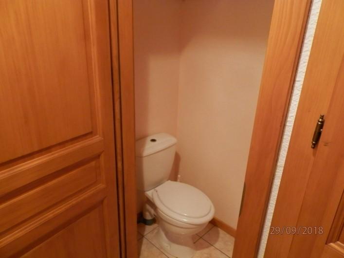 Location de vacances - Appartement à Orbey - toilette  séparer
