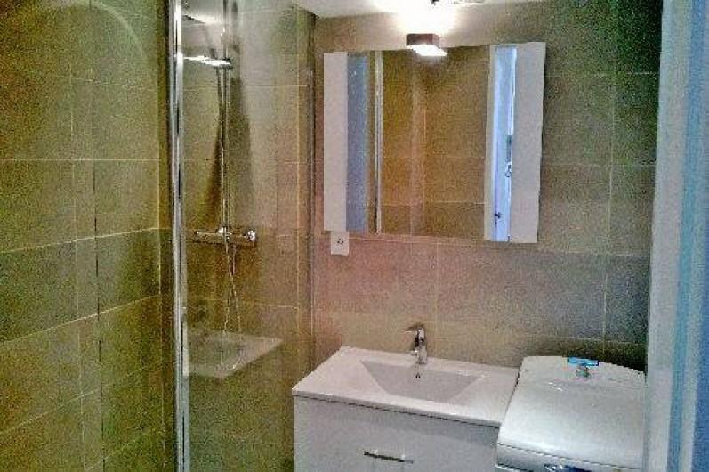 Location de vacances - Appartement à Nice - salle de bains