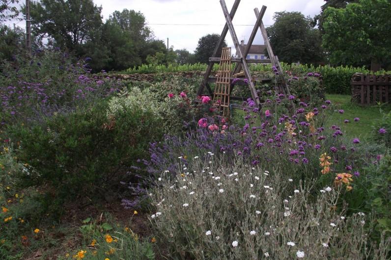 Location de vacances - Gîte à Loubressac - le jardin