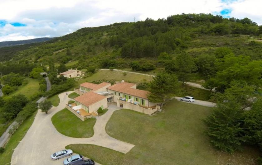 Location de vacances - Gîte à Saint-Nazaire-le-Désert - Vue aérienne