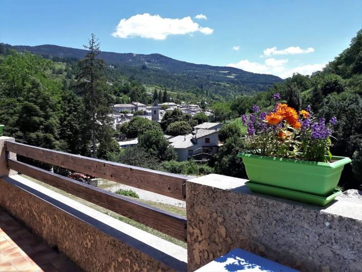 Location de vacances - Gîte à Saint-Nazaire-le-Désert - Vue de la terrasse