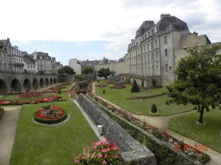 Location de vacances - Chambre d'hôtes à Camoël - Vannes les remparts et les fossés