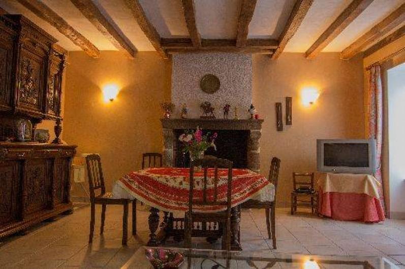 Location de vacances - Gîte à Montfaucon-Montigné - salle à manger