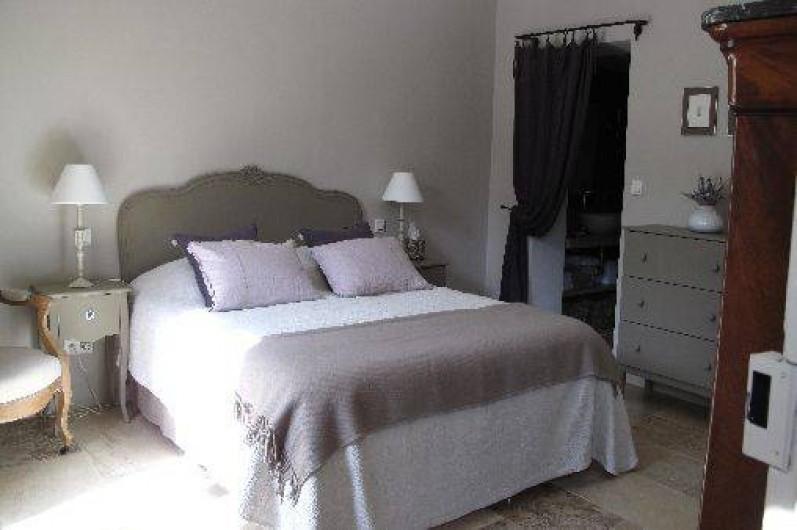 """Location de vacances - Chambre d'hôtes à Loriol-du-Comtat - """"La Terrasse"""", chambre pour 2 adultes"""