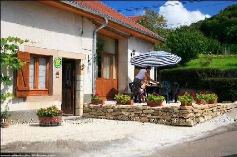 Location de vacances - Gîte à Mondon - Terrasse avant du Gîte