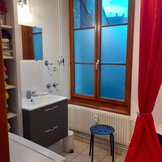 Location de vacances - Appartement à Saint-Valery-sur-Somme - salle de bain