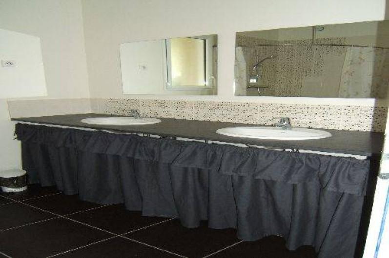 Location de vacances - Villa à Audierne - salle de bain RDC