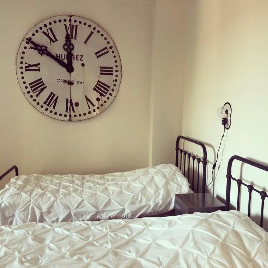 Location de vacances - Gîte à Tonnoy - la chambre 2 : la chambre dortoir 4 lits simples